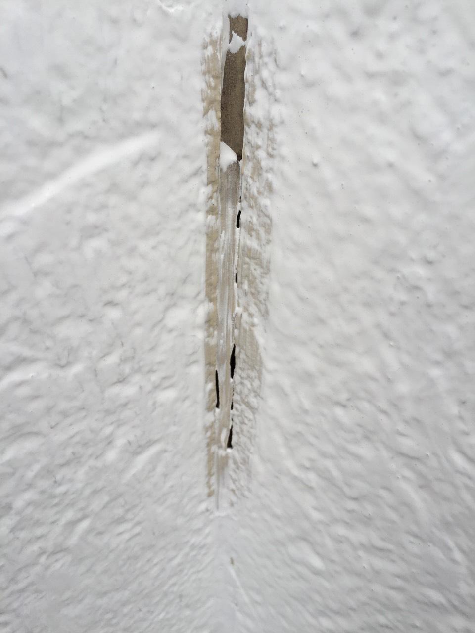 岡崎市外壁塗装 外壁に傷みがありました。