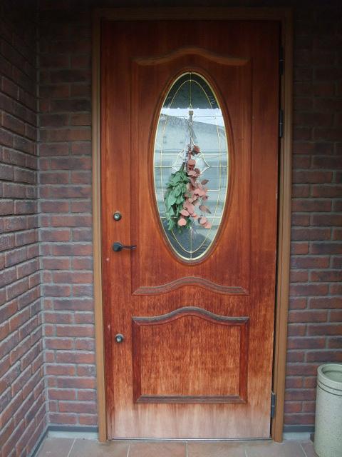 色落ちしたドア